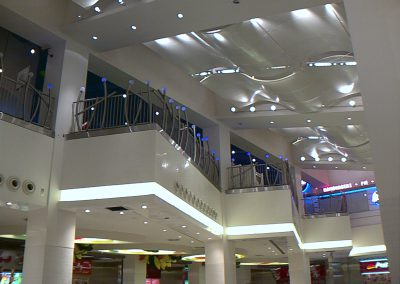 MAGIC PLANET @ MALL OF THE EMIRATES – STAINLESS STEEL HANDRAILS AT VOID EDGE